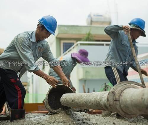 Đẩy nhanh tiến độ đổ bê tông tầng 3 nhà ống 6 tầng tại quận 8