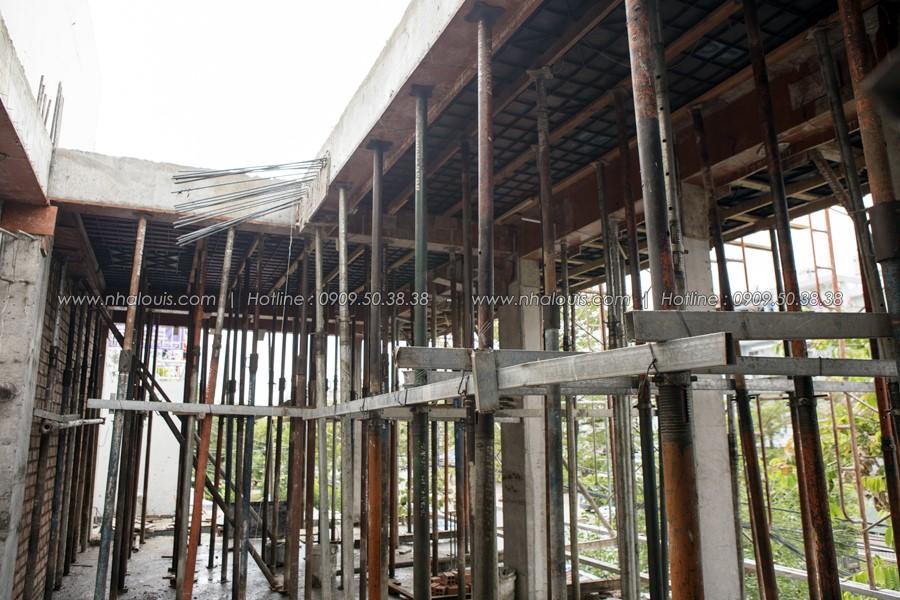Gấp rút chuẩn bị đổ bê tông sàn lầu 2 nhà phố 3 tầng hoành tráng tại quận 7
