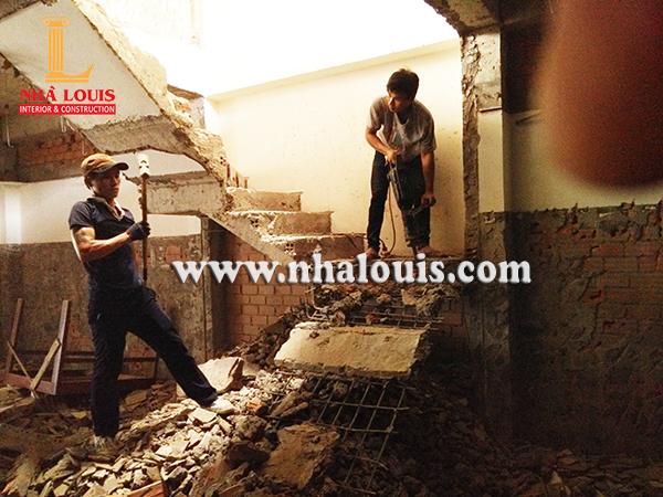 Lựa chọn nhà thầu tháo dỡ nhà cũ