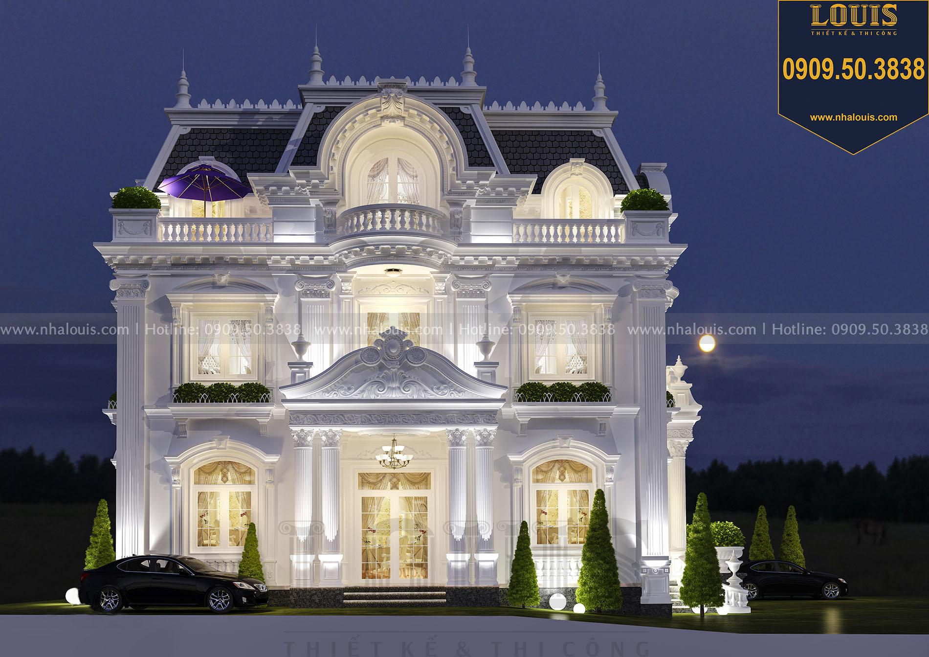 Ban công của biệt thự cổ điển kiểu Pháp