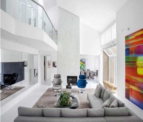 Biệt thự lộng lẫy những màu sắc nổi bật trên nền tông màu trắng
