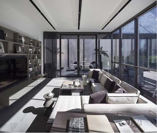 Biệt thự mini đẹp được bao quanh bởi nội thất kính