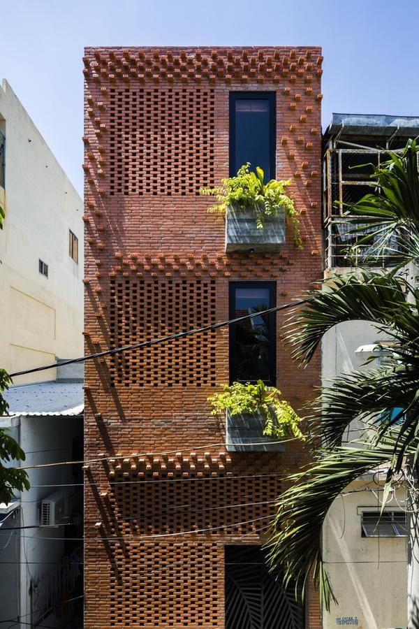 Ấn tượng với thiết kế mẫu nhà ống nhiều cây xanh giữa lòng đô thị - 09