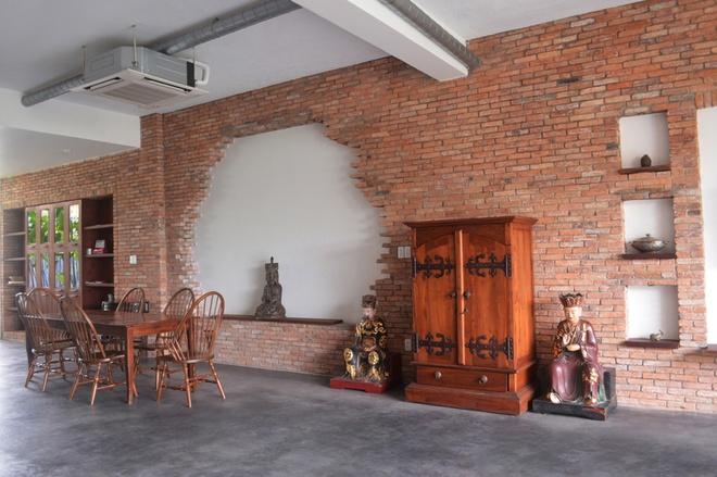 Căn nhà phố diện tích 200m2 đẹp hài hòa giữa nét cổ xưa và hiện đại - 05