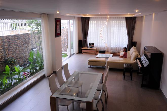 Dạo quanh ngôi nhà phố có kiến trúc mở tại Thành phố Hồ Chí Minh - 03