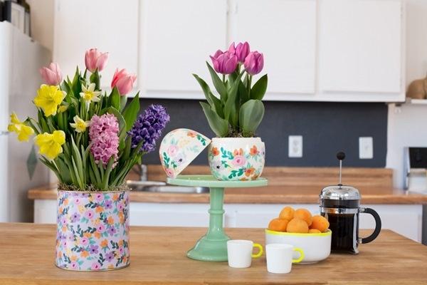 Điểm thêm tươi tắn cho không gian với những bình hoa khác biệt