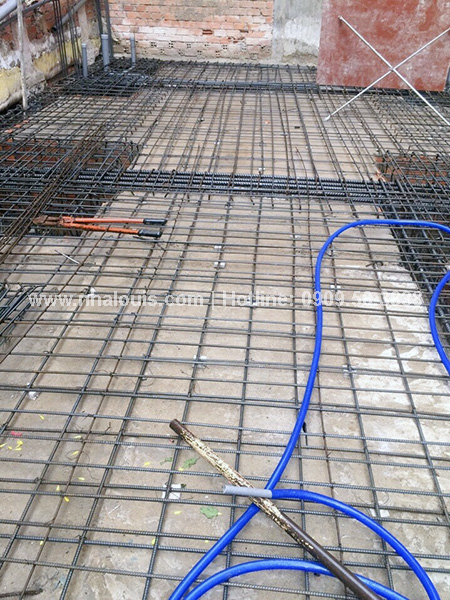 Hoàn tất công tác chuẩn bị đổ sàn bê tông tầng trệt nhà ống 4 tầng tại Tân Bình