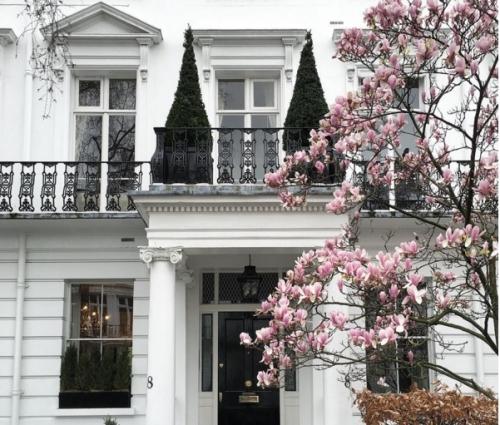 Mặt tiền nhà đẹp khiến người xem phải trầm trồ