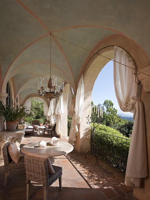 Ngắm mẫu biệt thự đẹp theo phong cách Italy