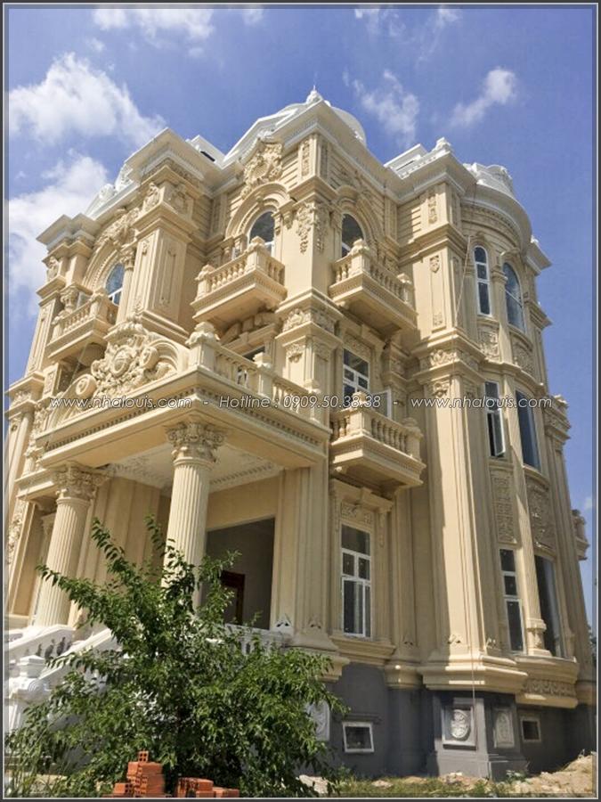 Ngắm nhìn vẻ đẹp đến xiêu lòng của biệt thự 3 tầng cổ điển tại Củ Chi - 04