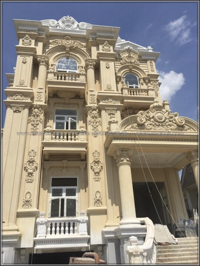 Ngắm nhìn vẻ đẹp đến xiêu lòng của biệt thự 3 tầng cổ điển tại Củ Chi - 05