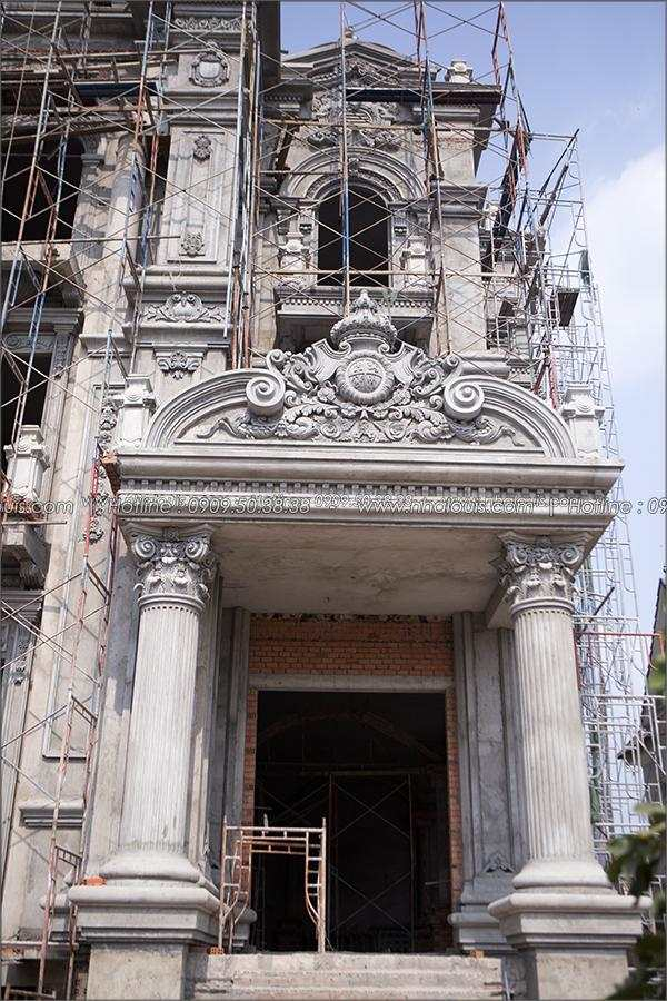 Ngắm nhìn vẻ đẹp đến xiêu lòng của biệt thự cổ điển đẹp 3 tầng tại Củ Chi