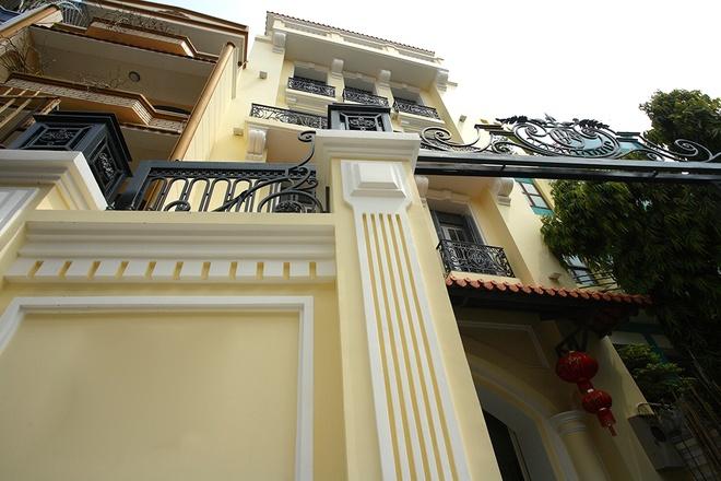 Ngây ngất với căn biệt thự kiểu Pháp giữa lòng Sài Gòn