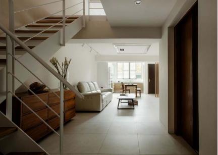 Ngôi nhà phố tông màu đơn sắc cao 5 tầng đẹp giản dị và hài hòa - 03
