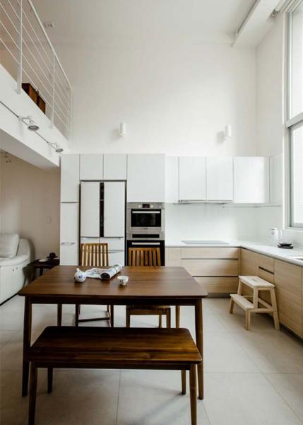 Ngôi nhà phố tông màu đơn sắc cao 5 tầng đẹp giản dị và hài hòa - 06