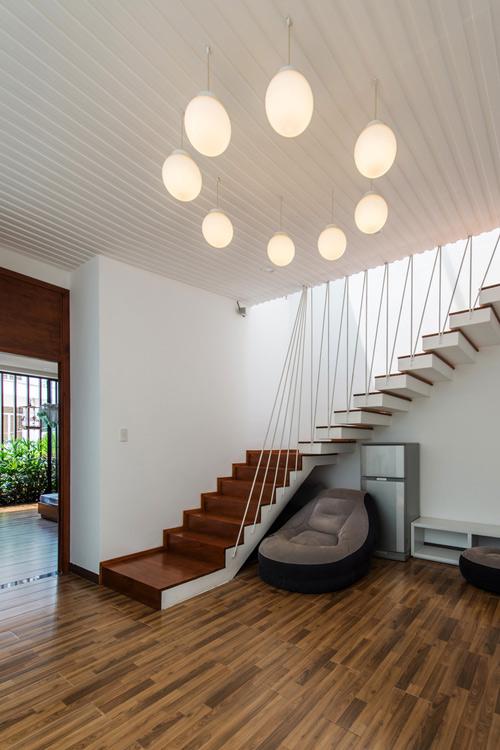 Ngôi nhà phố thiết kế mở nhưng vẫn kín đáo ở Nha Trang -04