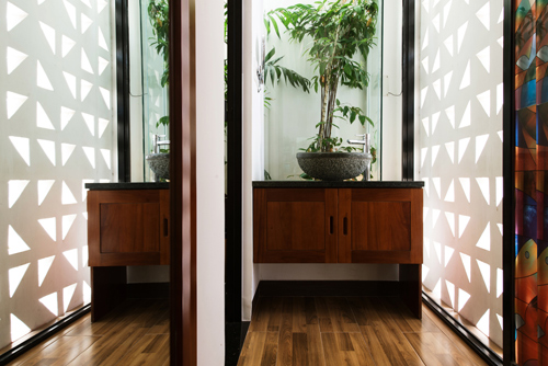 Ngôi nhà phố thiết kế mở nhưng vẫn kín đáo ở Nha Trang -06