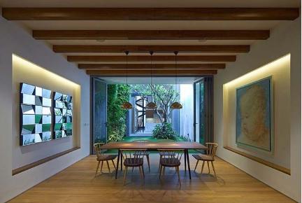 Mẫu thiết kế nhà phố gần gũi thiên nhiên cho gia đình - 04