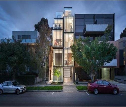 Nhà phố cấu trúc kính cao 5 tầng đẹp hiện đại và cá tính