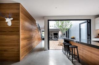 Thiết kế mẫu nhà phố 2 tầng có sân vườn đẹp hiện đại và tinh tế - 02