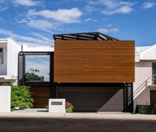Thiết kế mẫu nhà phố 2 tầng có sân vườn đẹp hiện đại và tinh tế
