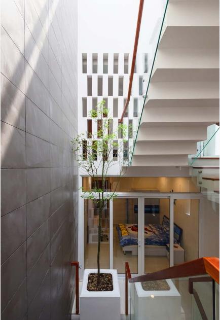 Mẫu thiết kế nhà phố 4 tầng có hồ bơi mang tên kính vạn hoa - 05