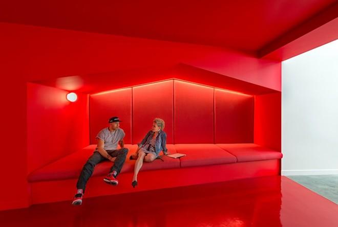 Thiết kế nội thất văn phòng màu đỏ cho vượng khí lan tỏa - 03