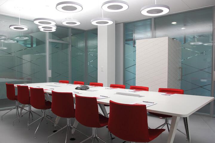 Thiết kế nội thất văn phòng màu đỏ cho vượng khí lan tỏa - 04