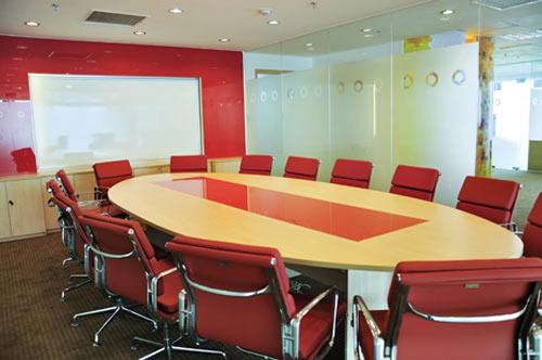 Thiết kế nội thất văn phòng màu đỏ cho vượng khí lan tỏa - 05