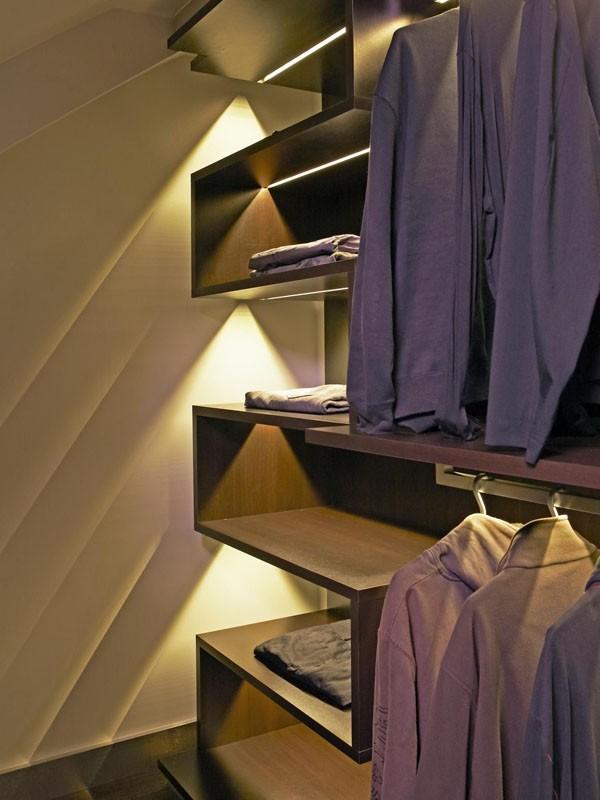 Phòng thay đồ đẹp với thiết kế ánh sáng thông minh