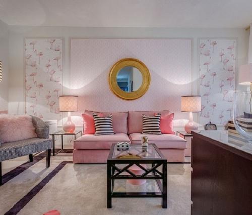 Mẫu phòng khách đẹp với màu hồng xinh xắn