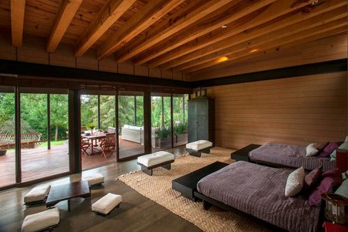 Say đắm trước vẻ đẹp của ngôi nhà gỗ được xây dựng trên núi