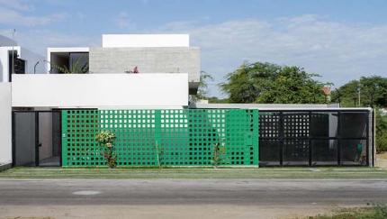 Thiết kế biệt thự 2 tầng có sân vườn cực rộng lớn