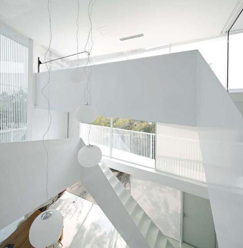 Thiết kế biệt thự không cần sử dụng đèn điện vào ban ngày