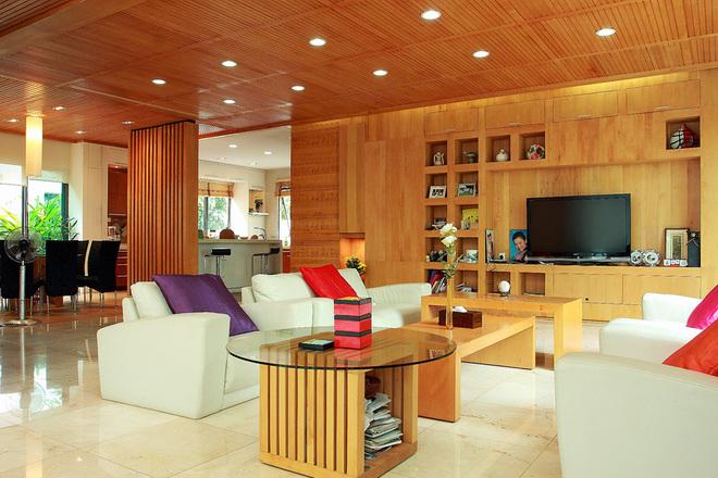 Thiết kế biệt thự nhà vườn thân thiện, ấm áp có trần bằng gỗ