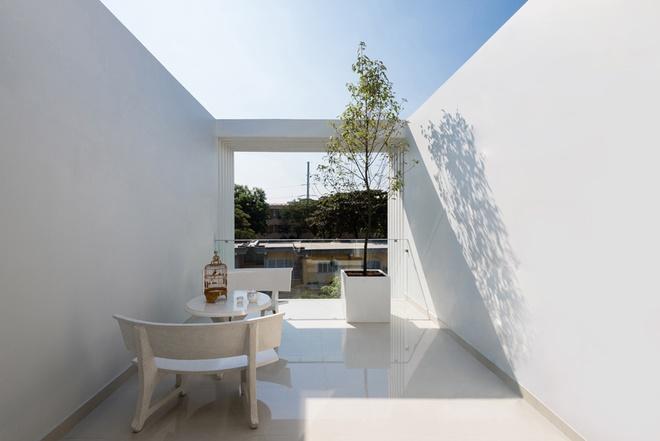 Thiết kế nhà ống có bể bơi trong nhà tiện nghi - 06