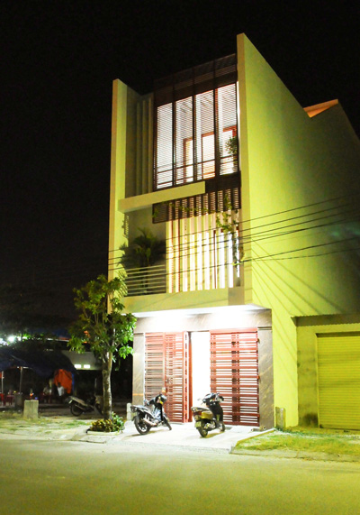 Chiêm ngưỡng mẫu thiết kế nhà phố ngập tràn ánh sáng 100m2 ở Hà Nội - 03