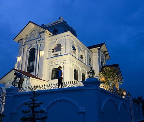 Thiết kế thi công biệt thự cổ điển kiểu Pháp ở Bạc Liêu