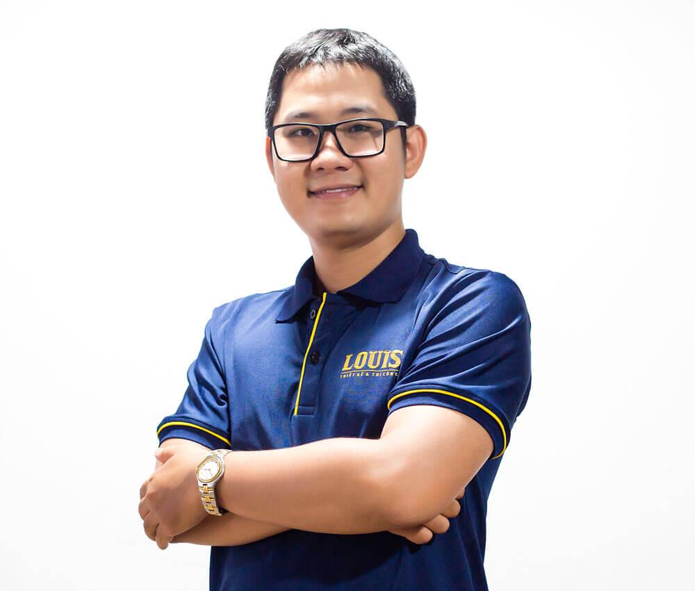 Giám đốc xưởng thiết kế số 1 công ty LOUIS- Từ Minh Trí