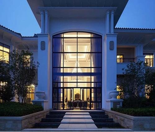 Vẻ đẹp sang trọng như khách sạn 5 sao của căn biệt thự cổ điển