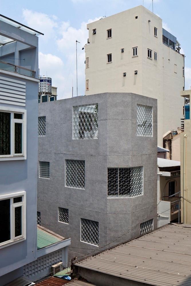 khám phá căn nhà có cửa sổ lòng chim ở sài gòn