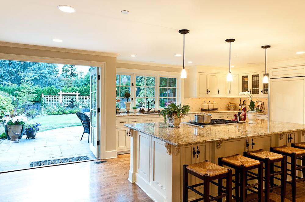 Bỏ túi 4 mẫu cửa nhà bếp cập nhật xu hướng năm 2017
