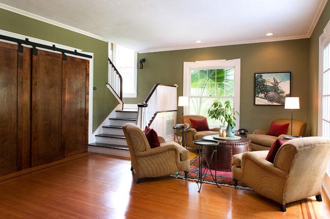 Chọn cửa gỗ cánh trượt để tiết kiệm diện tích và làm đẹp cho không gian