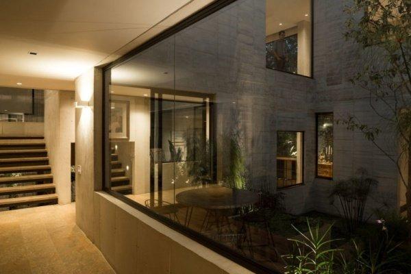 Nhà phố 2 tầng đẹp mê dù được xây trên mảnh đất xéo góc