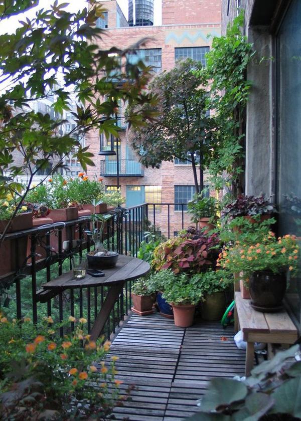Những góc ban công xanh- Phần không gian mở giúp ngôi nhà luôn thoáng mát