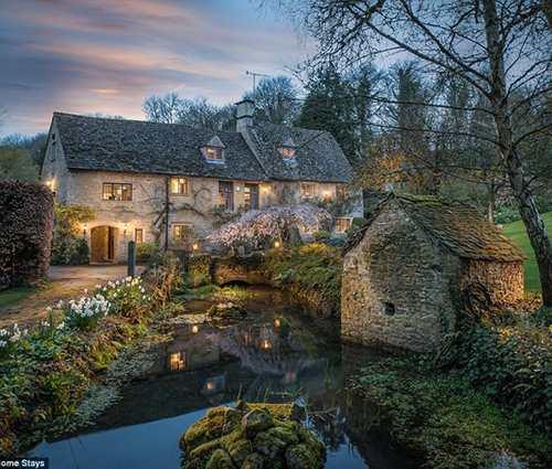 Nhà đẹp giữa đời thực hay trong câu chuyện cổ tích thường nghe