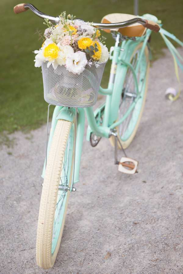 Trang trí vườn với xe đạp cũ vừa đẹp vừa ấn tượng