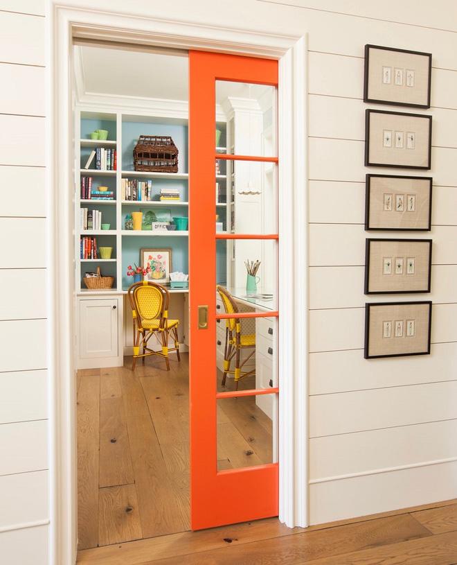 Nhà tiết kiệm không gian với thiết kế cửa kéo hiện đại