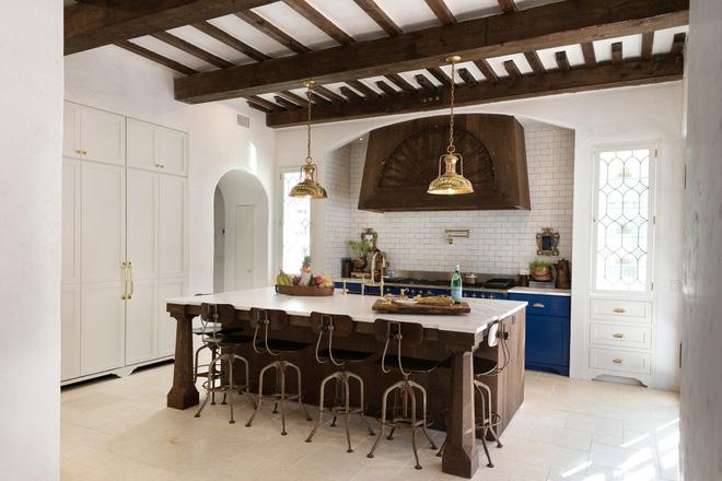 Những mẫu bếp phong cách Địa Trung Hải đẹp hút hồn