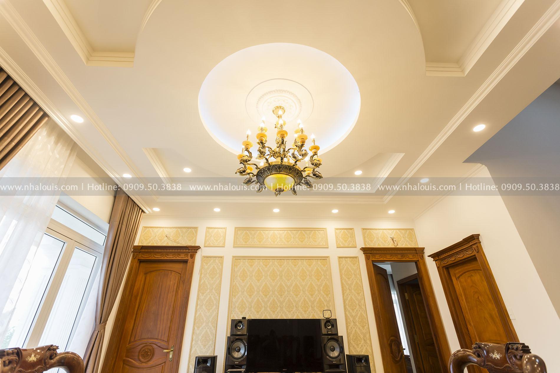 Biệt thự 2 tầng cổ điển lộng lẫy và sang trọng tại Hóc Môn